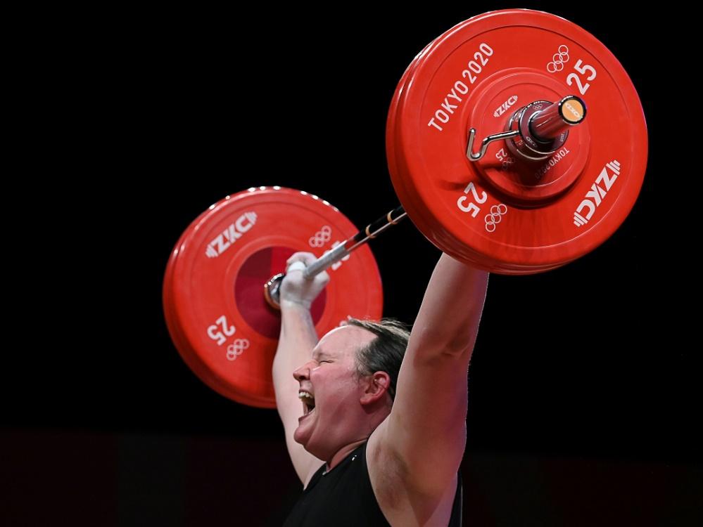 Gewichtheben: Neuseeländerin Hubbard verpasst Medaille (© AFP/SID/Mohd RASFAN)